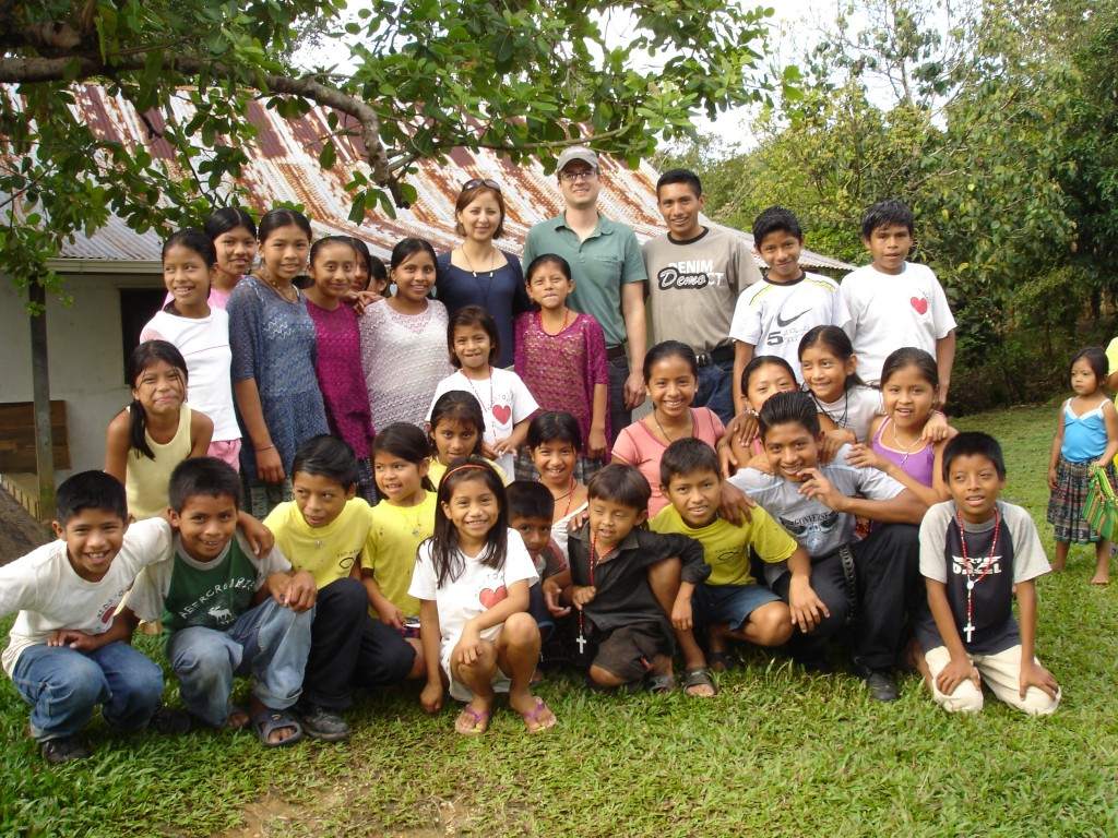 Schoolchildren from Lagunita Salvador